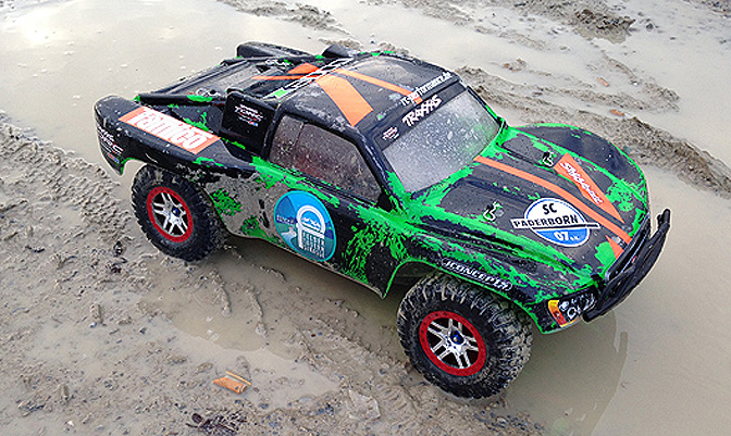 Traxxas Slash 4x4 Platinum Edition [bashing]
